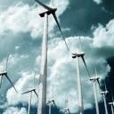 De wind als symbool van de Geest van God. Ook als het donkerder wordt, blijft de wind energie geven.